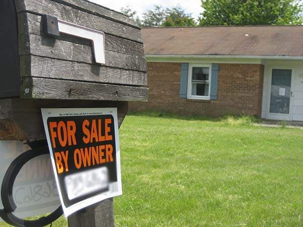 Do homes sold by realtors sell quicker than homes sold by the owners themselves?